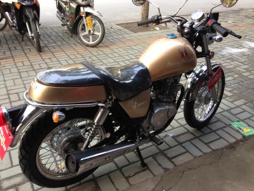 出售全新电喷国产铃木250 铃木街车摩托车